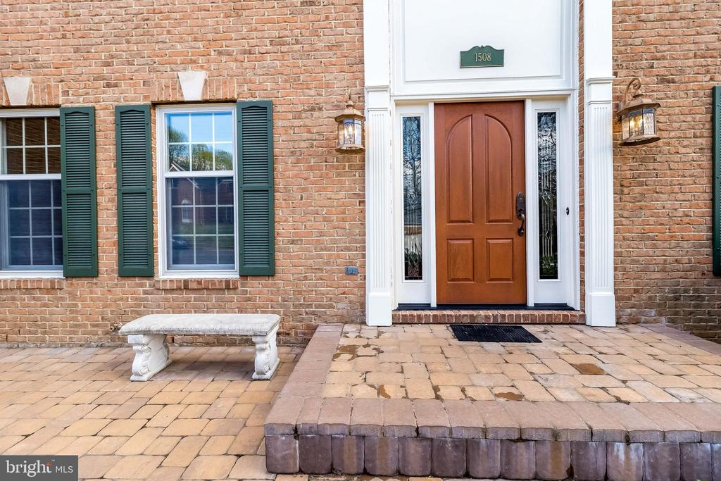 Welcoming Entrance - 1508 JUDD CT, HERNDON