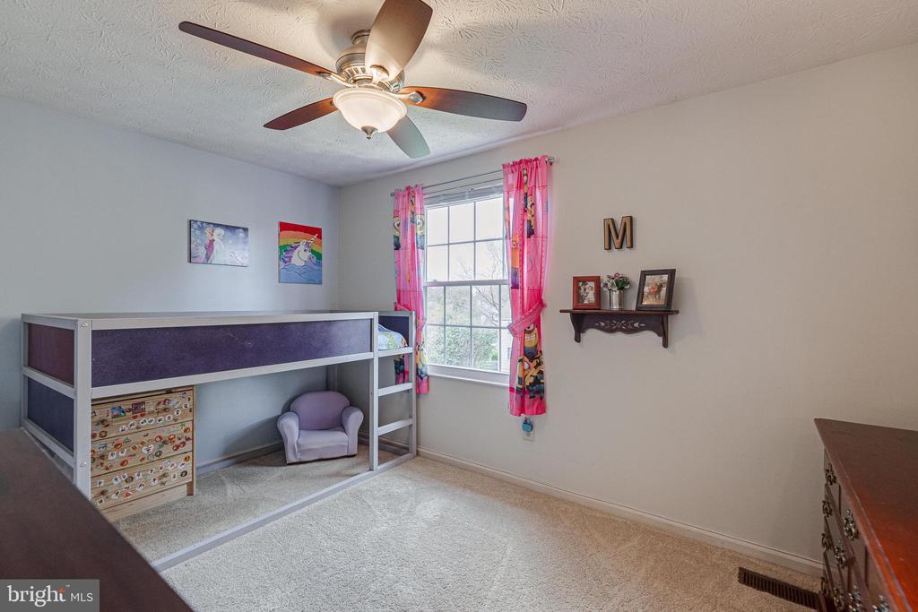 Bedroom 2 with fan - 12502 DARDANELLE CT, HERNDON