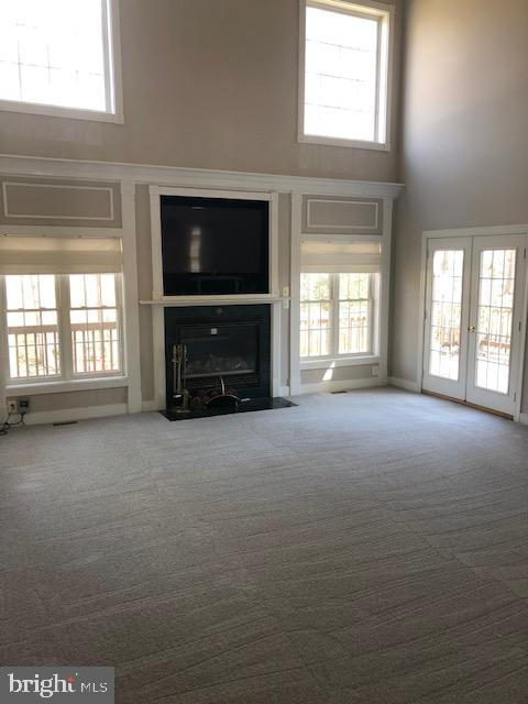 2 level step down family room/gas fireplace - 42 LIGHTFOOT DR, STAFFORD