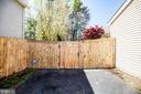 6 ft fence encloses private backyard - 6055 PONHILL DR, WOODBRIDGE