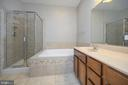 Melt away the day in this gorgeous soaking tub - 623 MT PLEASANT DR, LOCUST GROVE