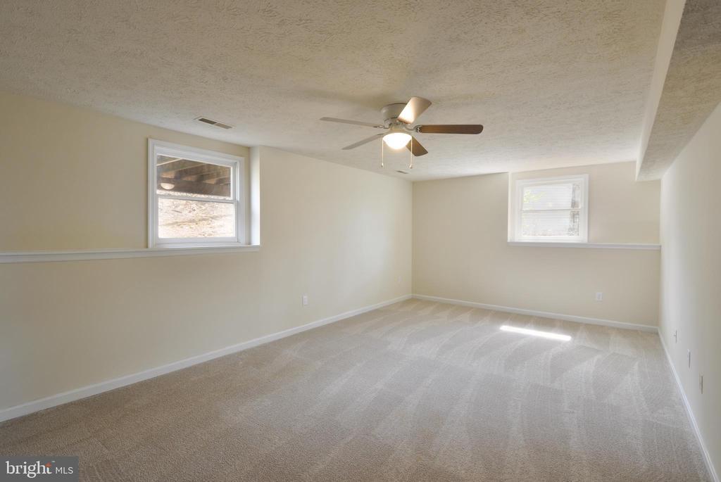 New Carpet - 8 RIDGE POINTE LN, FREDERICKSBURG
