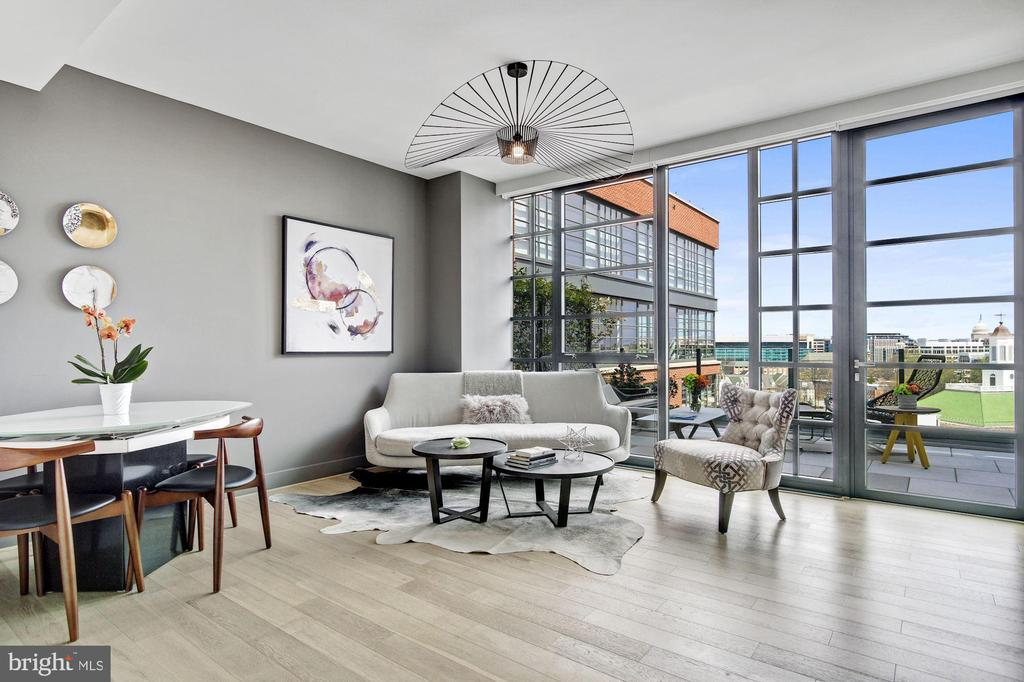 Open concept living + 275 sq ft private terrace - 45 SUTTON SQ SW #1116, WASHINGTON