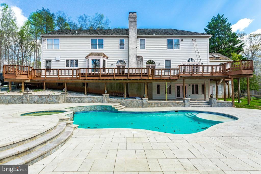 Brand New Pool, $180k in Hardscaping - 7780 KELLY ANN CT, FAIRFAX STATION