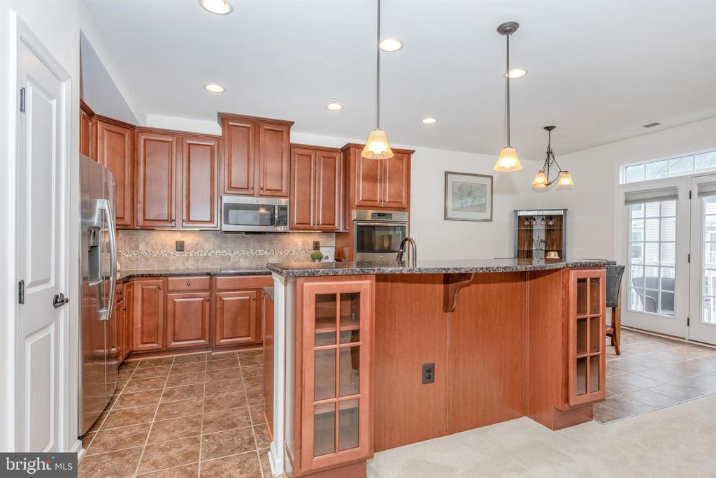 Built ins with glass inset - 6434 ALAN LINTON BLVD E, FREDERICK
