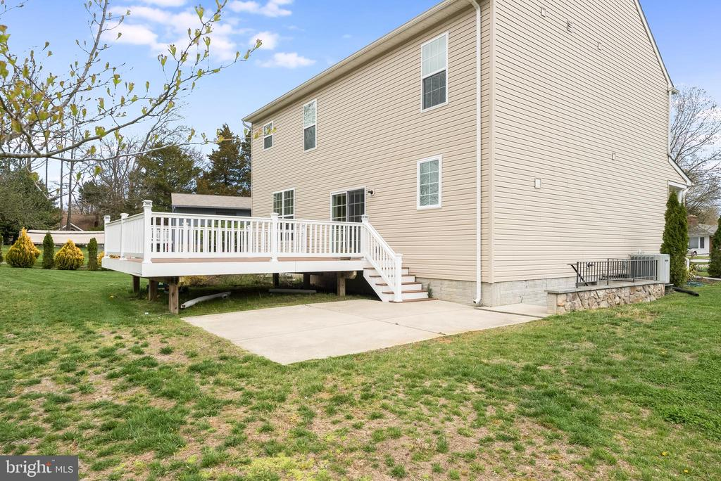 Nice patio located off deck - 98 GREAT LAKE DR, ANNAPOLIS