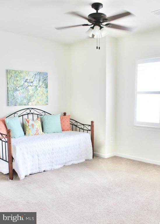 Spacious Bedroom 2 - 4025 BRIDLE RIDGE RD, UPPER MARLBORO
