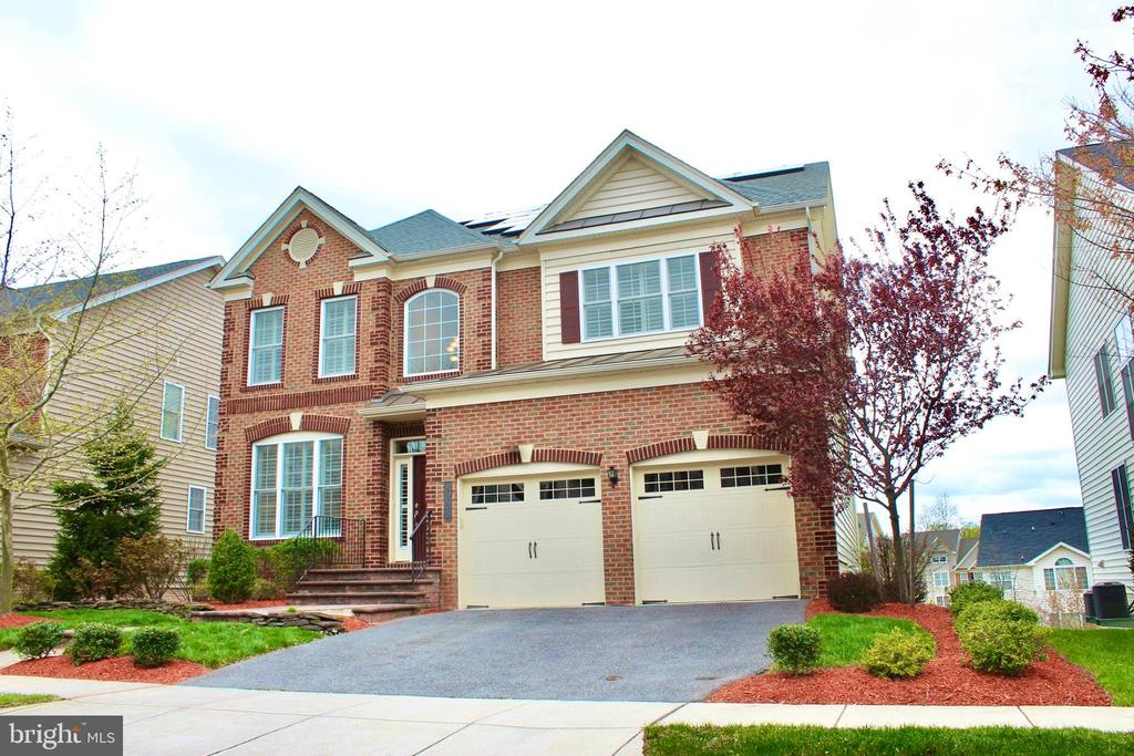 Perfectly maintained home with all of the upgrades - 4025 BRIDLE RIDGE RD, UPPER MARLBORO