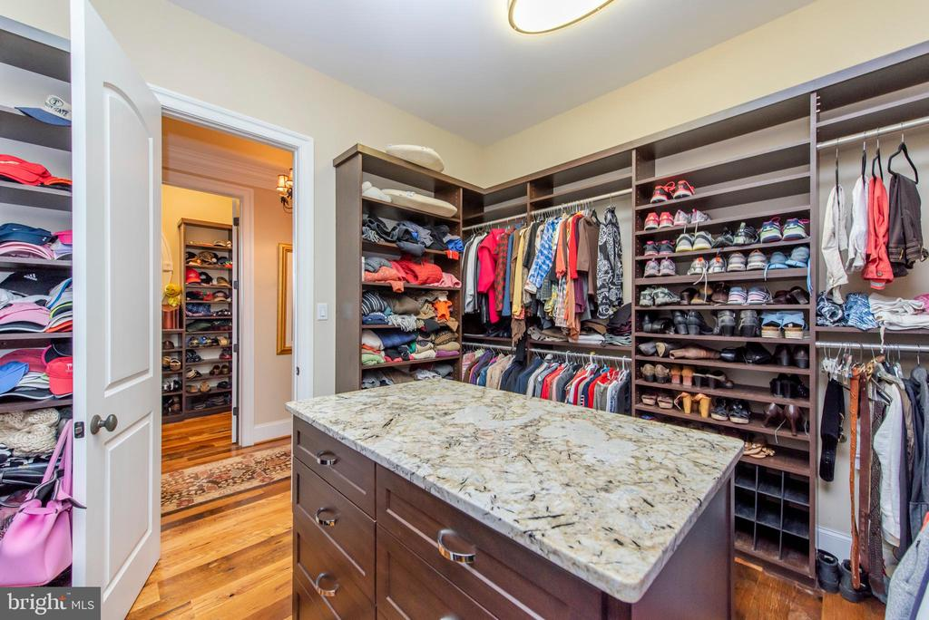 Walk In Closet - 5222 SWEET MEADOW LN, CLARKSVILLE