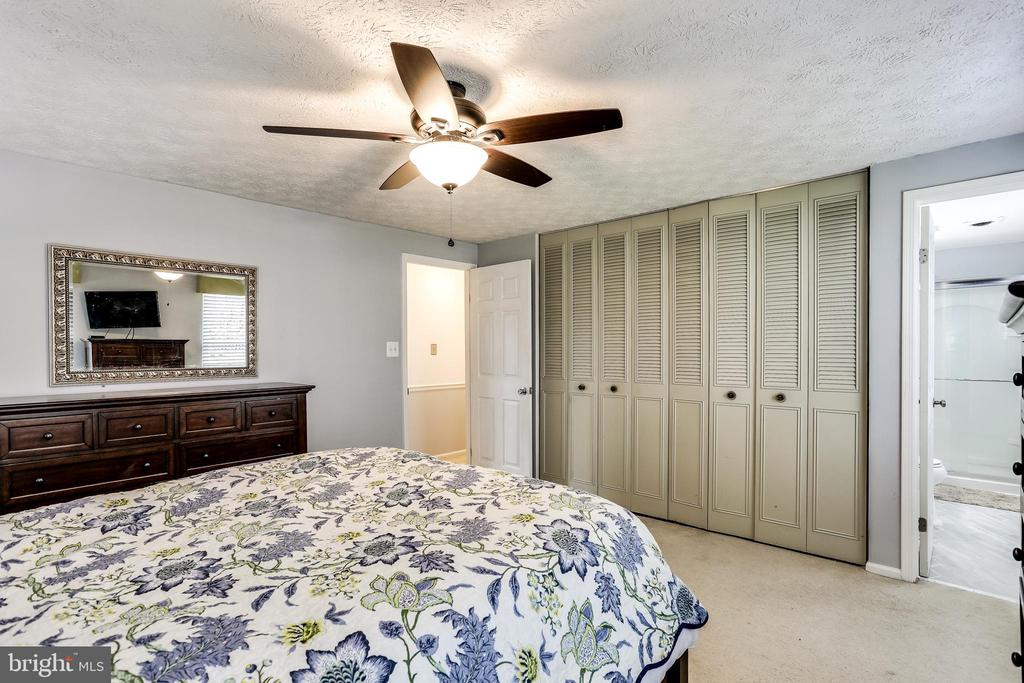 Master Bedroom with His & Hers Closets - 7924 BUTTERFIELD DR, ELKRIDGE
