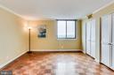 Master Bedroom With Large Closet - 3800 FAIRFAX DR #1512, ARLINGTON