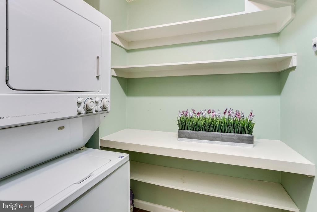 Laundry Room With Storage - 3800 FAIRFAX DR #1512, ARLINGTON
