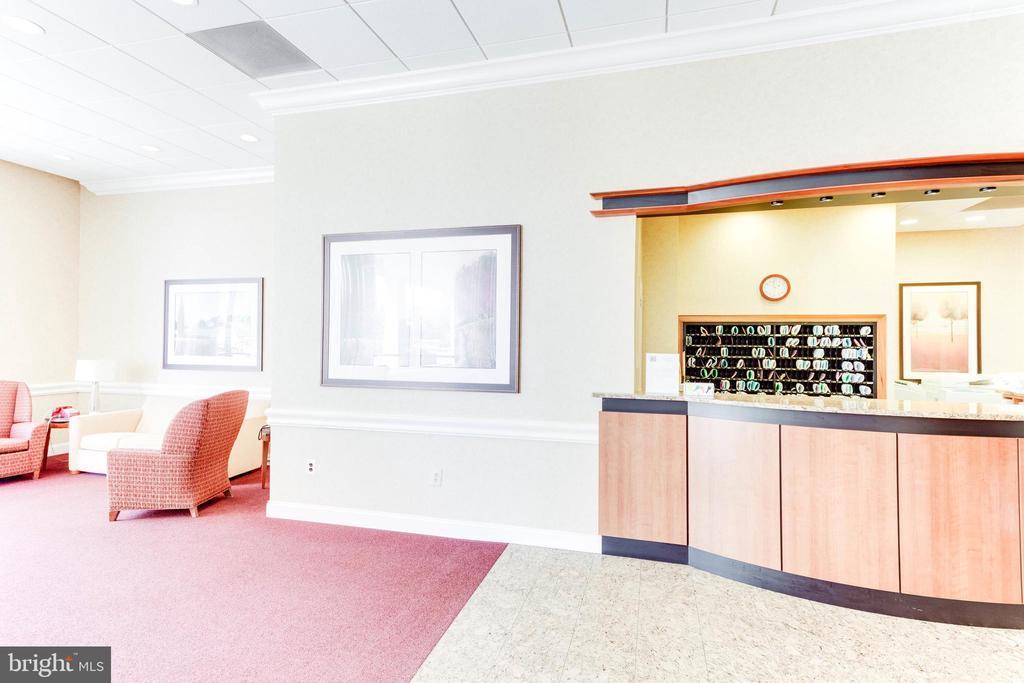 Full Service Real Concierge Desk - 3800 FAIRFAX DR #1512, ARLINGTON