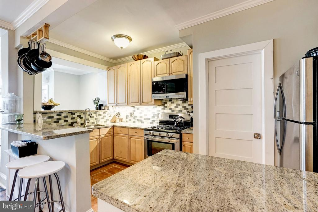 Plenty of storage and counter space. - 4604 9TH ST NW, WASHINGTON