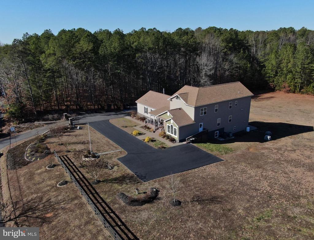 Amazing Custom Home on Fabulous 3 Acres - 10636 CATHARPIN RD, SPOTSYLVANIA