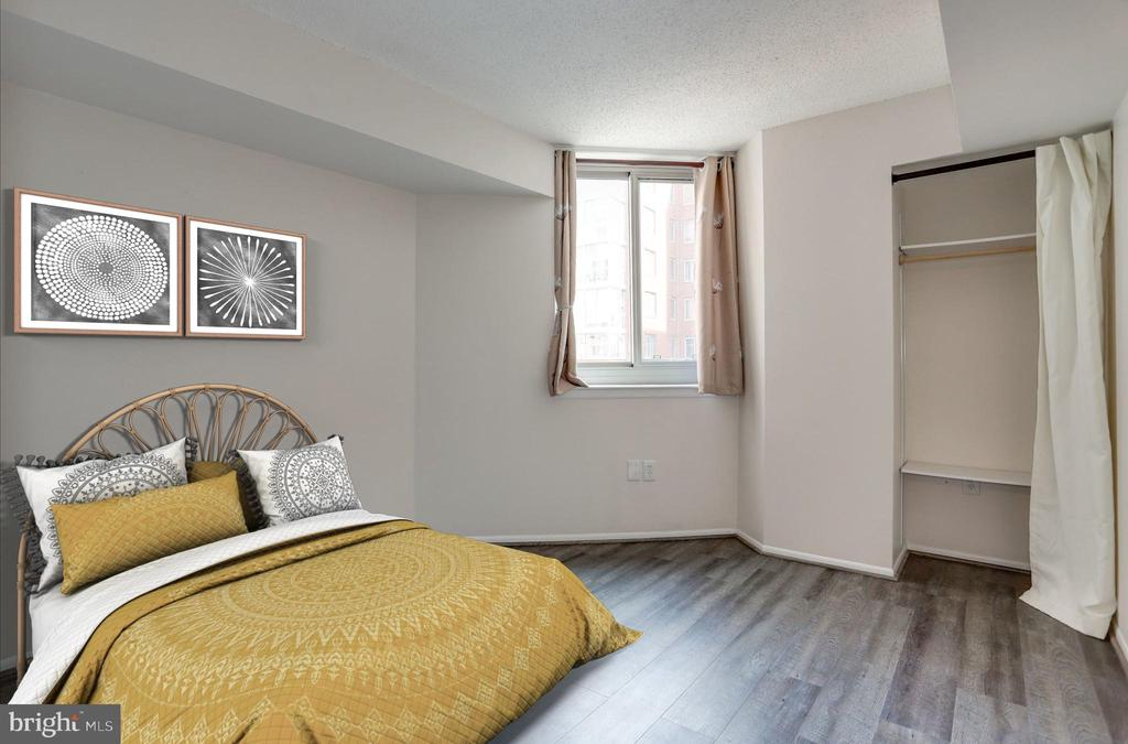 Virtually staged guest room - 1001 N VERMONT ST #310, ARLINGTON