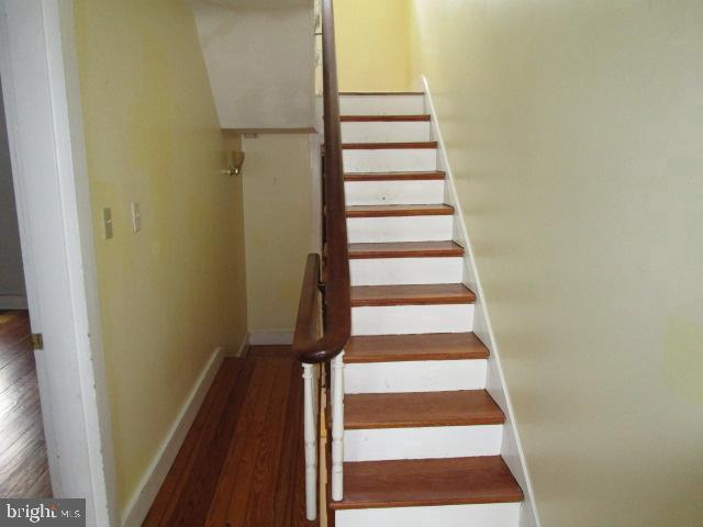 stairs to top floor - 146 PRINCE GEORGE ST, ANNAPOLIS