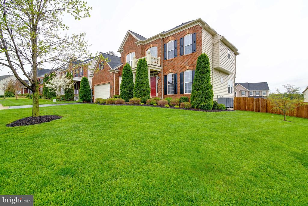 Beautiful corner lot! - 32 PALISADES DR, STAFFORD