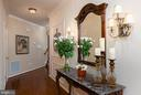 Welcoming foyer w/ hardwoods & crown moldings - 8733 ENDLESS OCEAN WAY #32, COLUMBIA