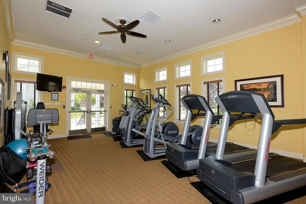 Clubhouse gym - cardio - 8733 ENDLESS OCEAN WAY #32, COLUMBIA