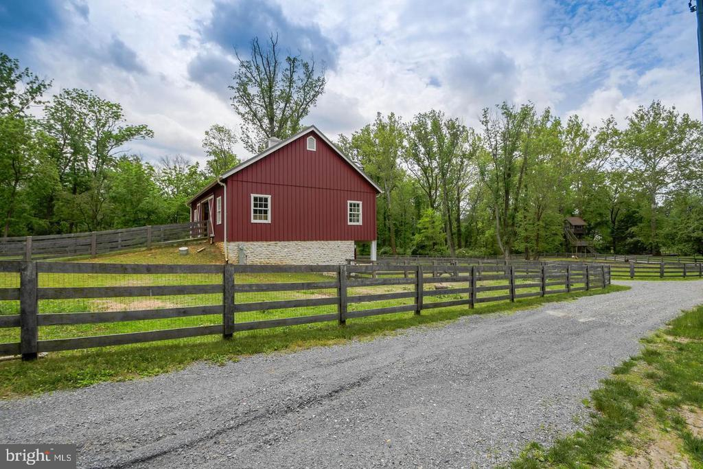 Barn & Paddock - 10807 GREENSPRING AVE, LUTHERVILLE TIMONIUM