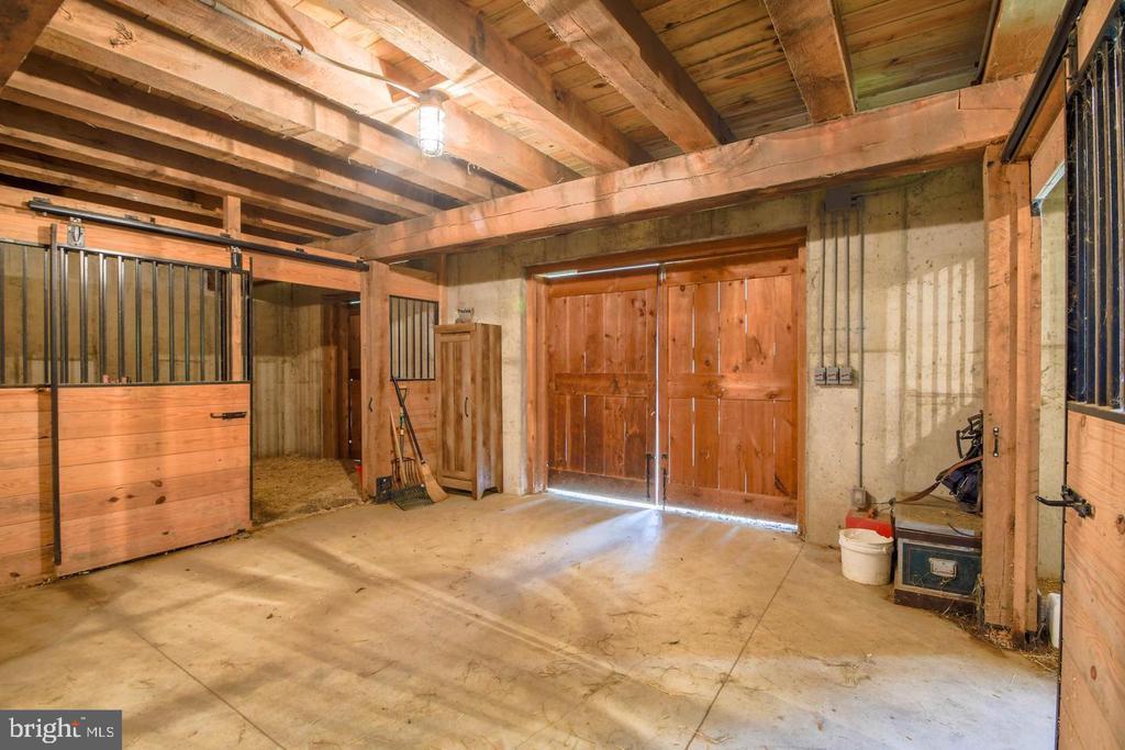Barn Stalls - 10807 GREENSPRING AVE, LUTHERVILLE TIMONIUM