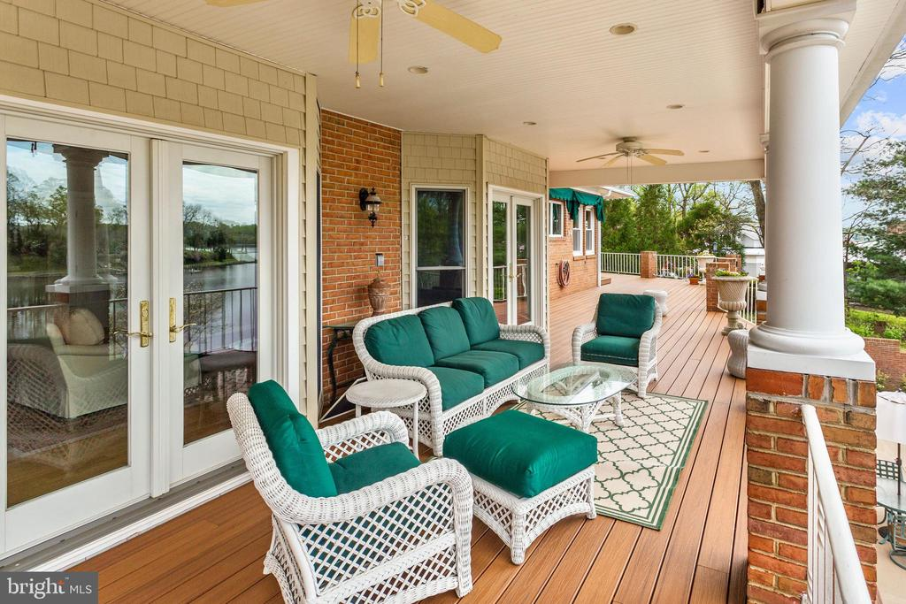 Atrium Access to Waterside Deck - 1128 ASQUITH DR, ARNOLD