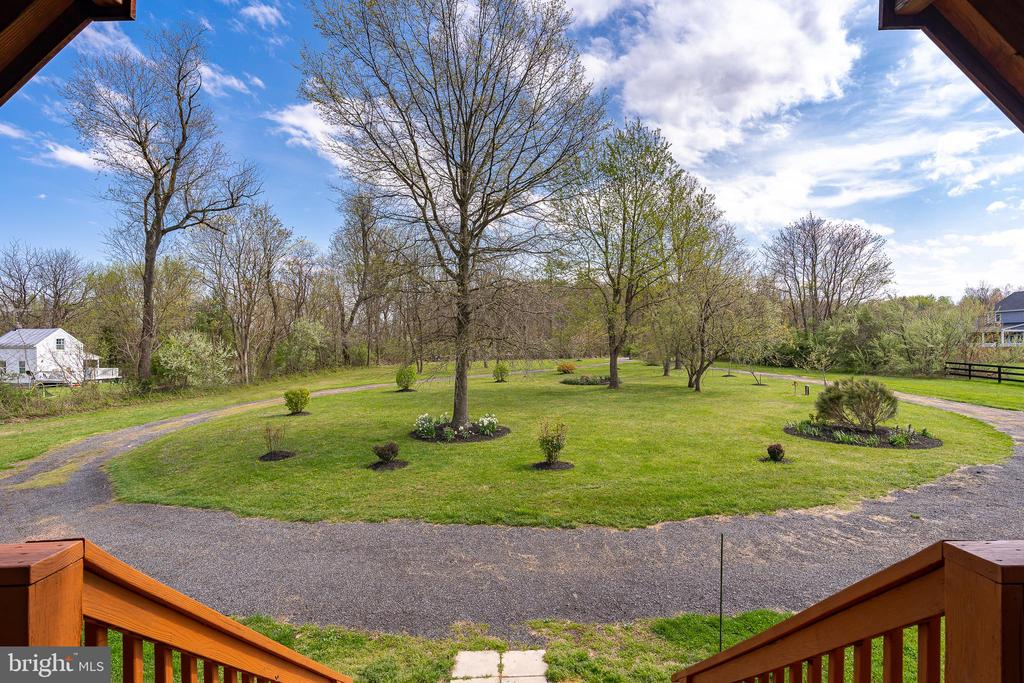 VIEW OF THE CIRCULAR DRIVEWAY - 34876 PAXSON RD, ROUND HILL