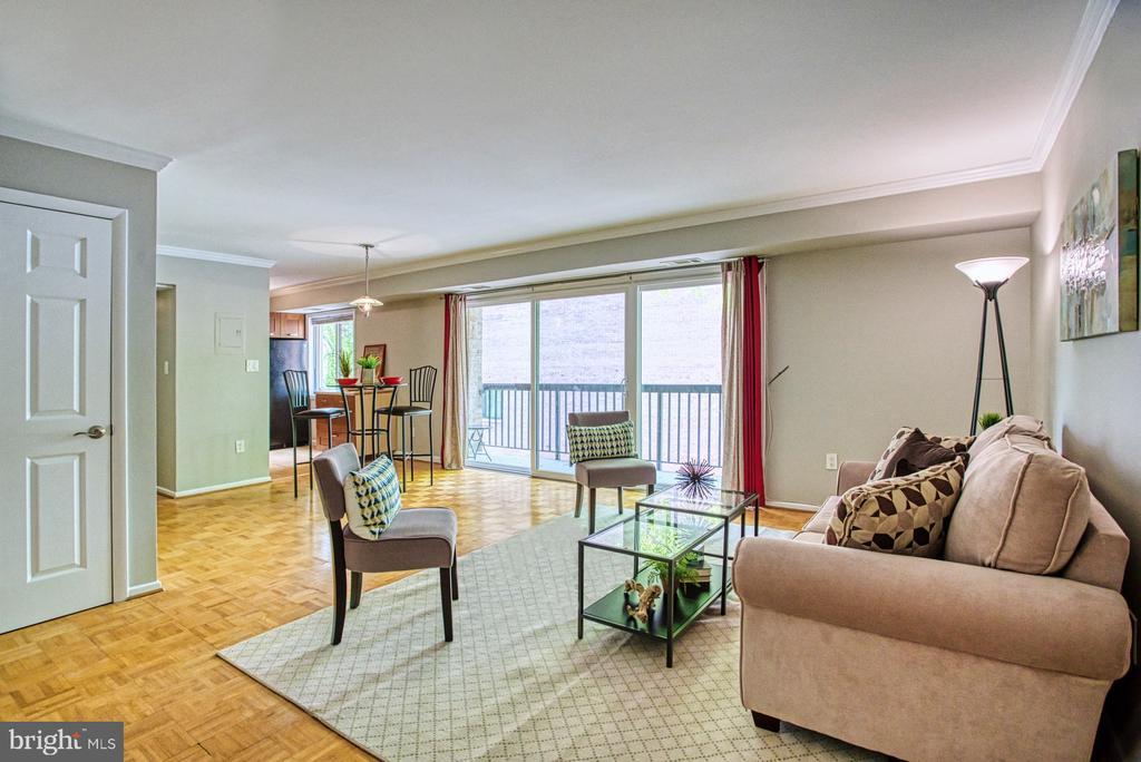Light and bright open floor plan - 3200 S 28TH ST #404, ALEXANDRIA