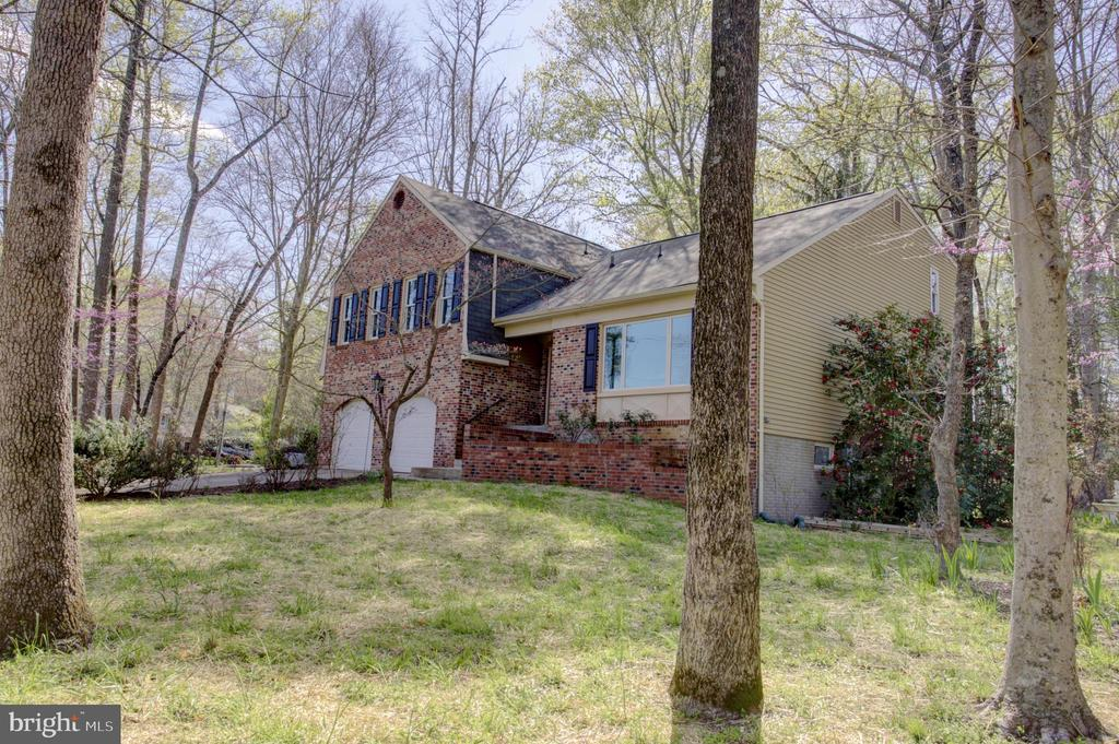 Impressive Brickfront  Home with Covered Alcove - 1430 AQUIA DR, STAFFORD