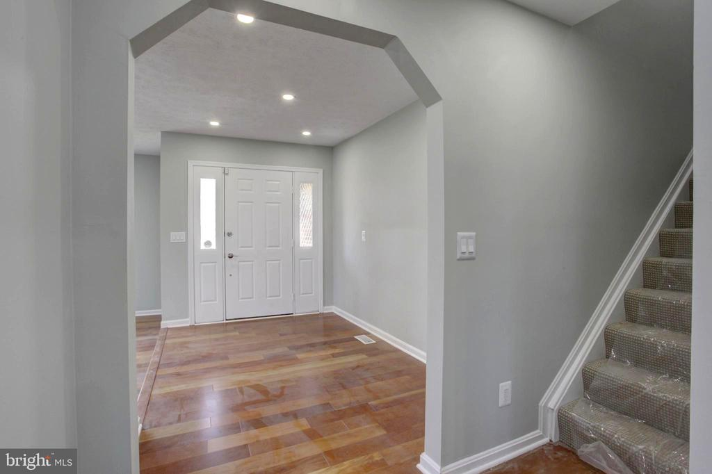 Spacious Foyer with Hardwood Floor leads to Stairs - 1430 AQUIA DR, STAFFORD
