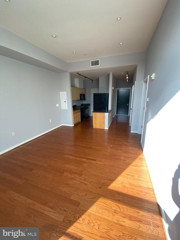 Huge Open Living Space - 1414 BELMONT ST NW #309, WASHINGTON