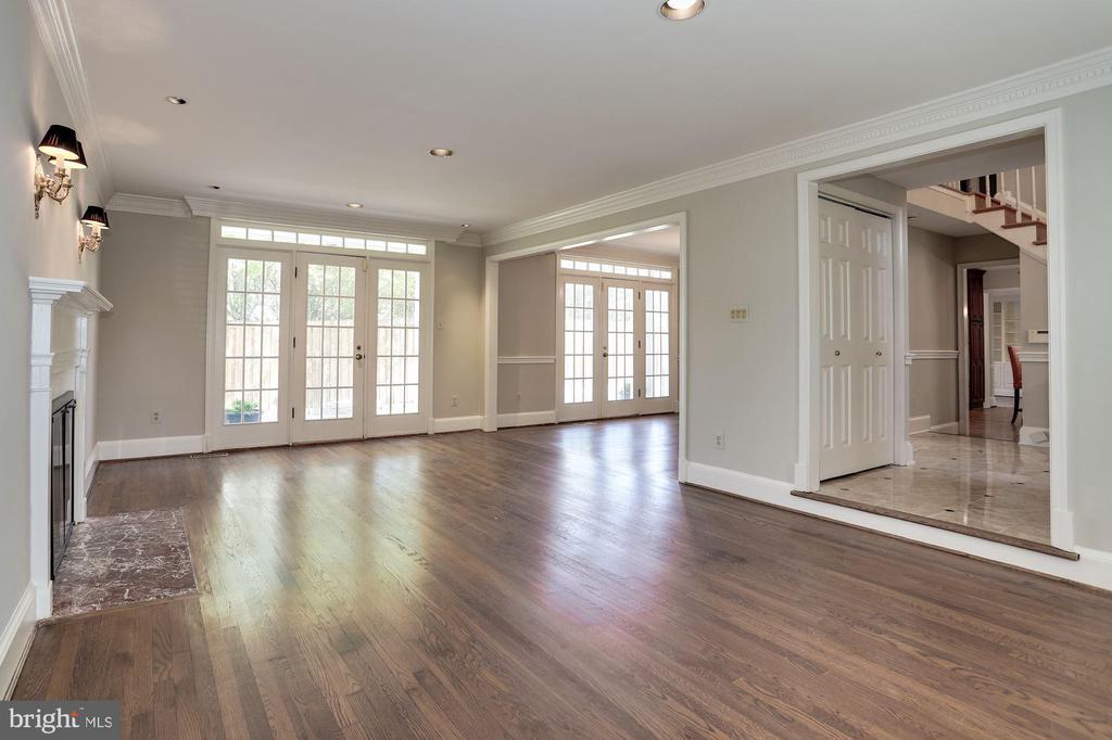 Living Room - 1301 19TH RD S, ARLINGTON