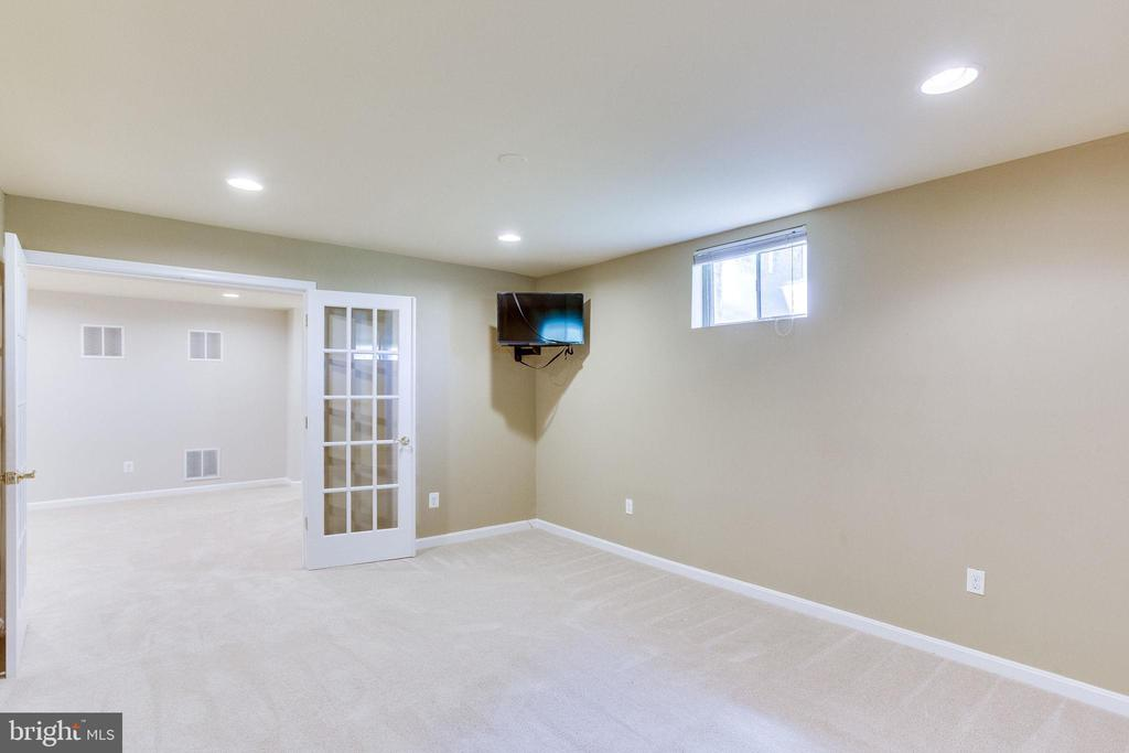 Lower level exercise room - 43348 CRYSTAL LAKE ST, LEESBURG