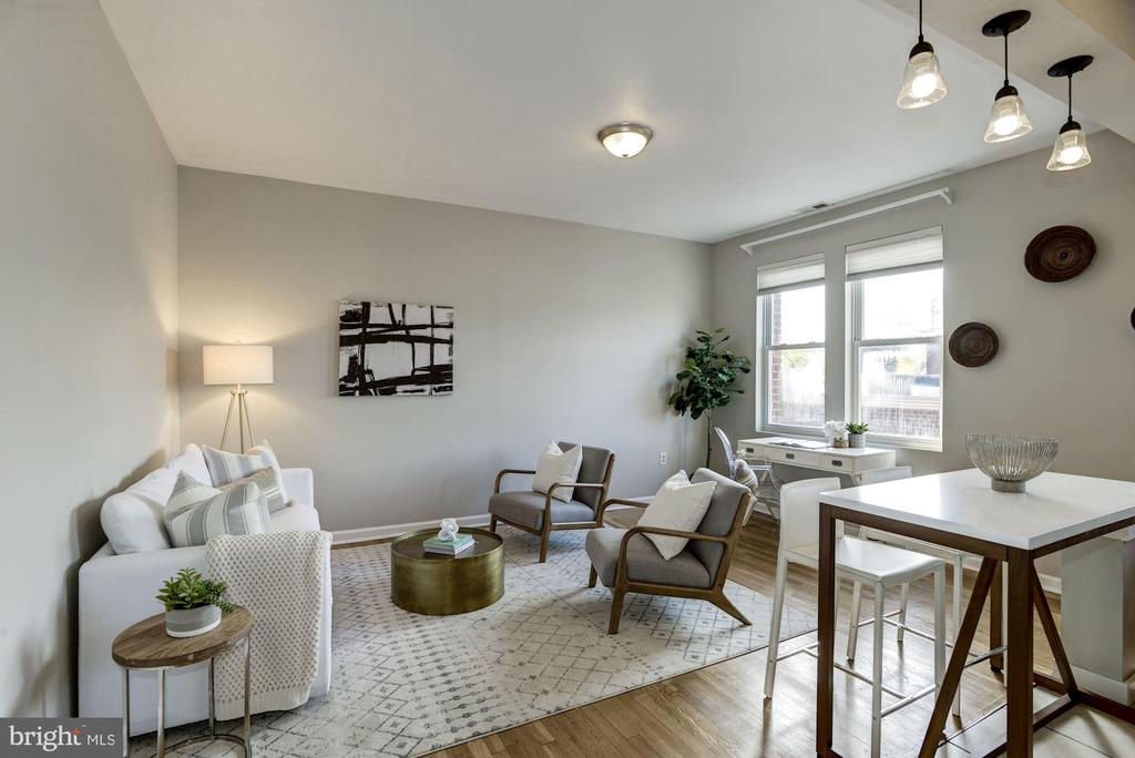 Bright & airy with 9' ceilings - 4120 14TH ST NW #44, WASHINGTON