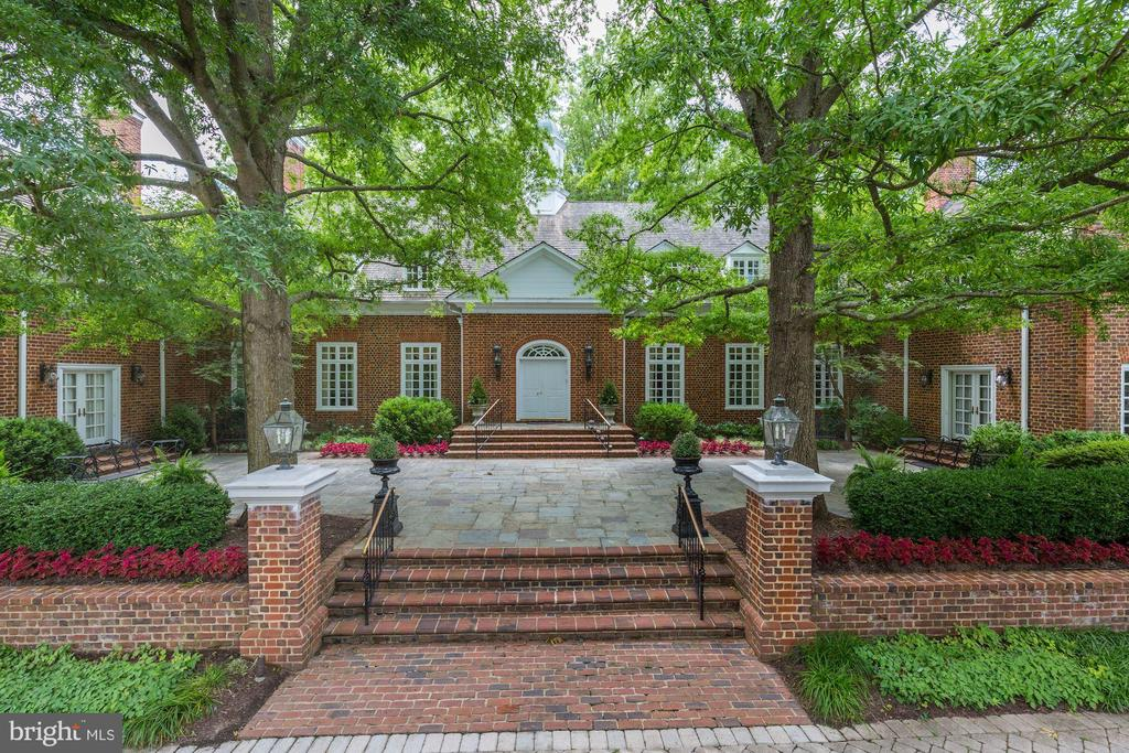 Front Entry - 11517 HIGHLAND FARM RD, POTOMAC