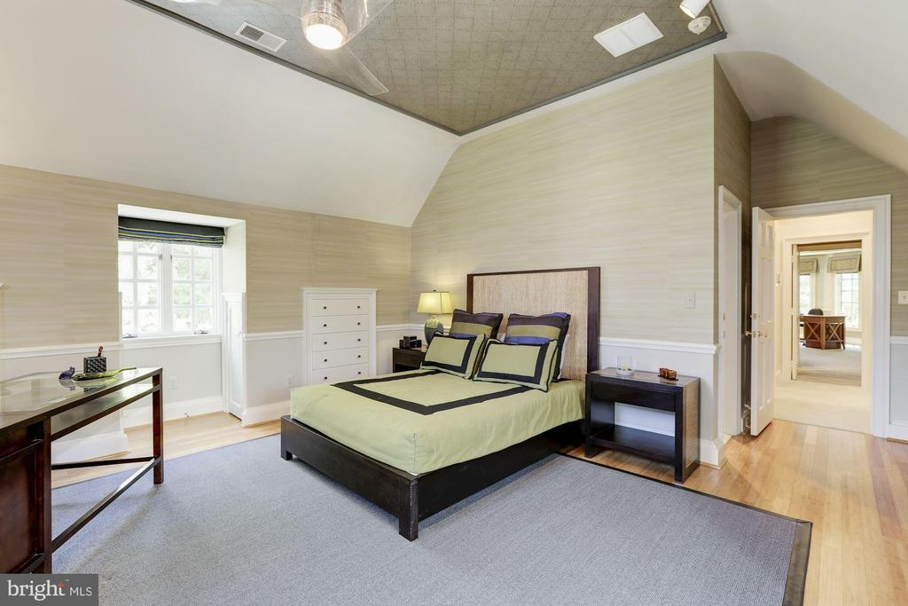 Upper Level - Bedroom #5 - 11517 HIGHLAND FARM RD, POTOMAC