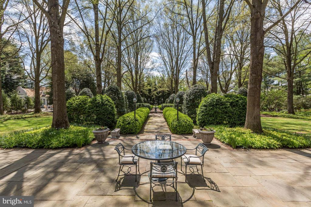 Beautiful Outdoor Spaces - 11517 HIGHLAND FARM RD, POTOMAC