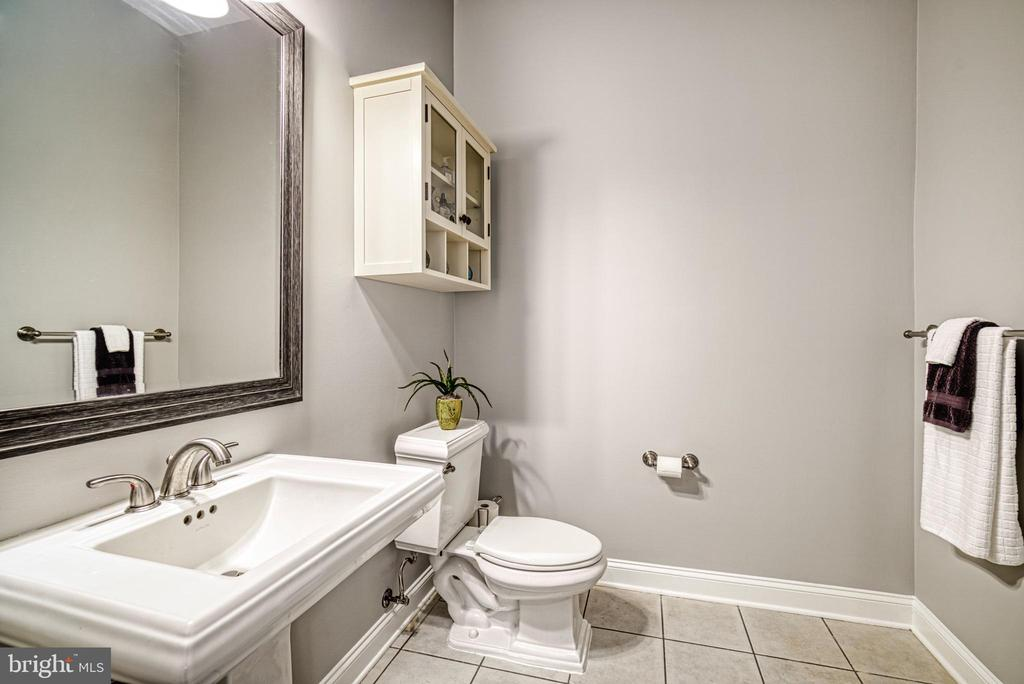 Half bath on main level is charming - 2704 SILKWOOD CT, OAKTON