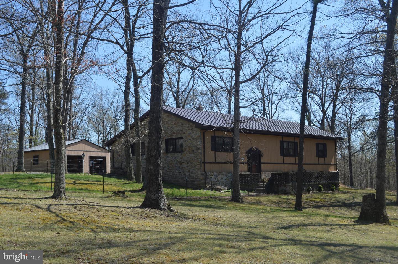 Single Family Homes voor Verkoop op Great Cacapon, West Virginia 25422 Verenigde Staten