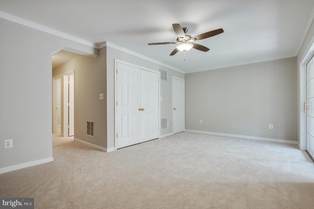 Basement with New Ceiling Fan - 43059 CANDLEWICK SQ, LEESBURG