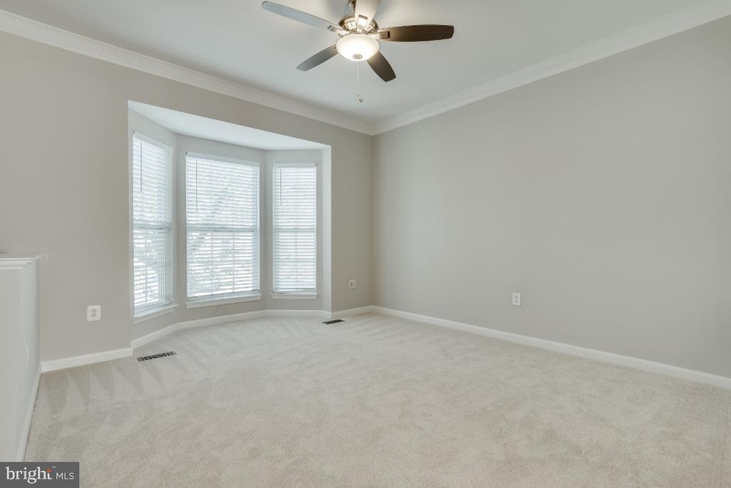 Living Room with New Ceiling Fan - 43059 CANDLEWICK SQ, LEESBURG