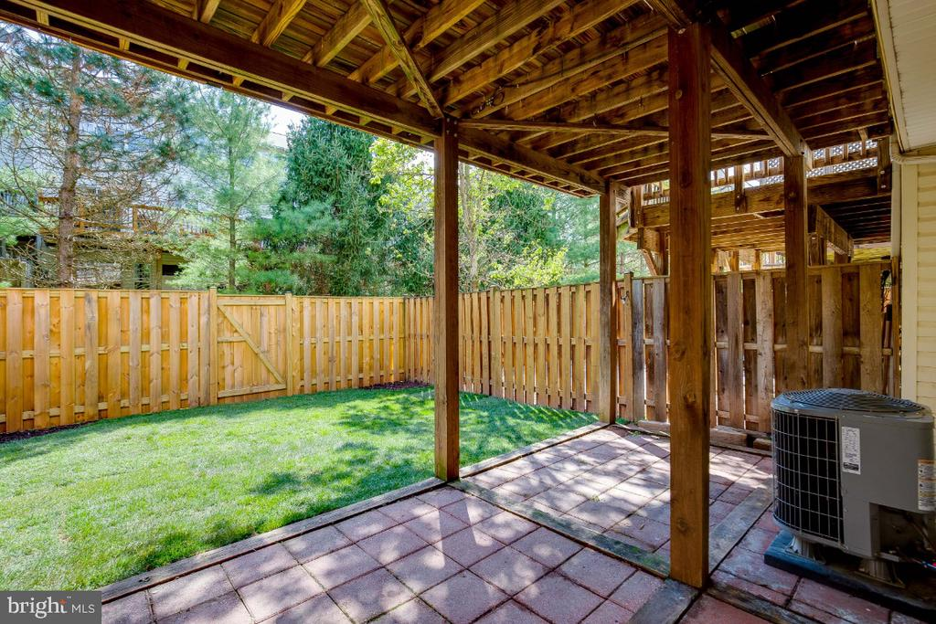 Patio off the Basement - 43059 CANDLEWICK SQ, LEESBURG