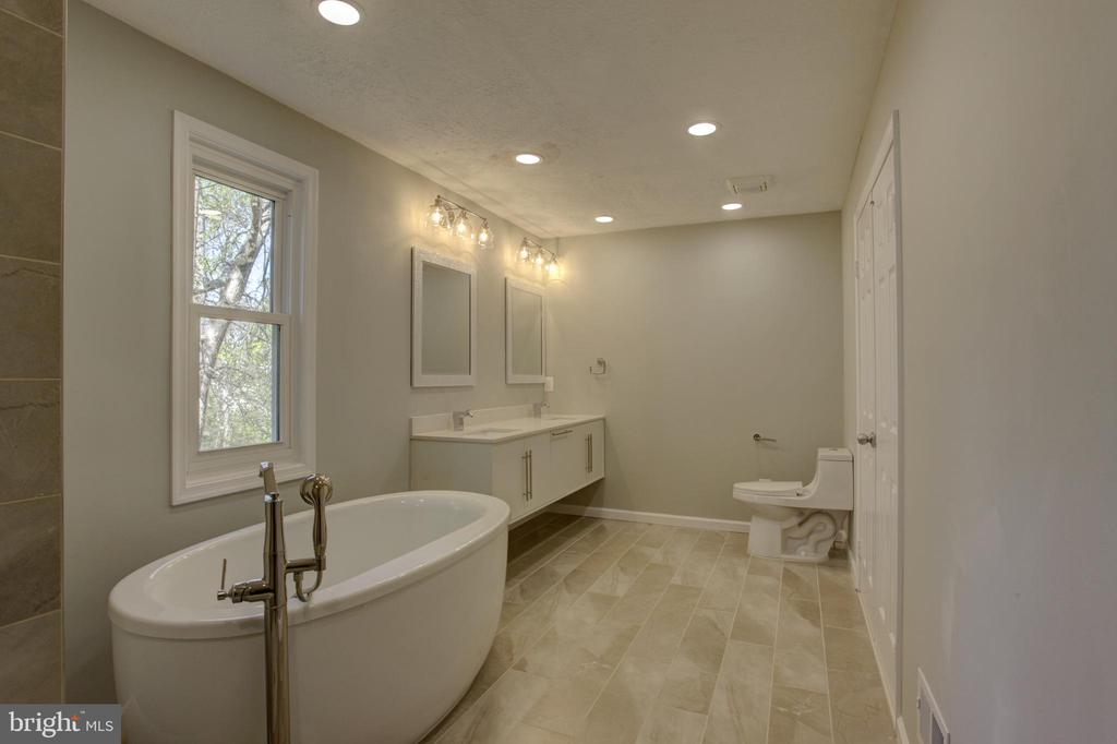 Stunning Imported Ceramic in all Updated Bathrooms - 1430 AQUIA DR, STAFFORD