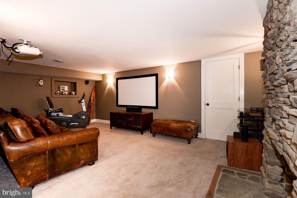 Recreation/Media Room - 2326 N VERNON ST, ARLINGTON