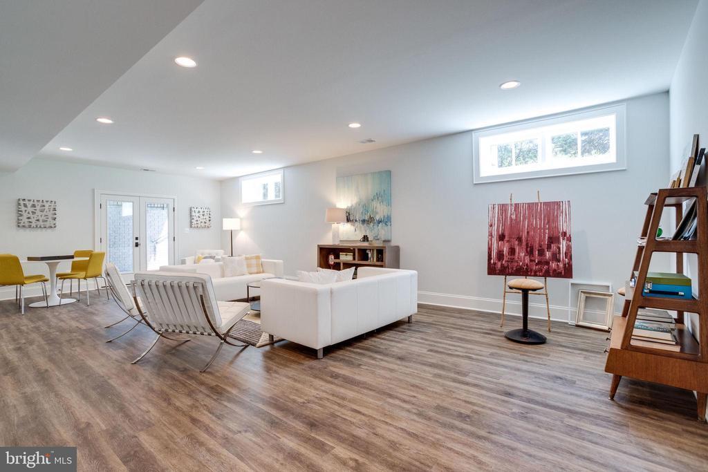 Sun-Lit Basement with Luxurious Coretec Flooring - 4514 25TH RD N, ARLINGTON