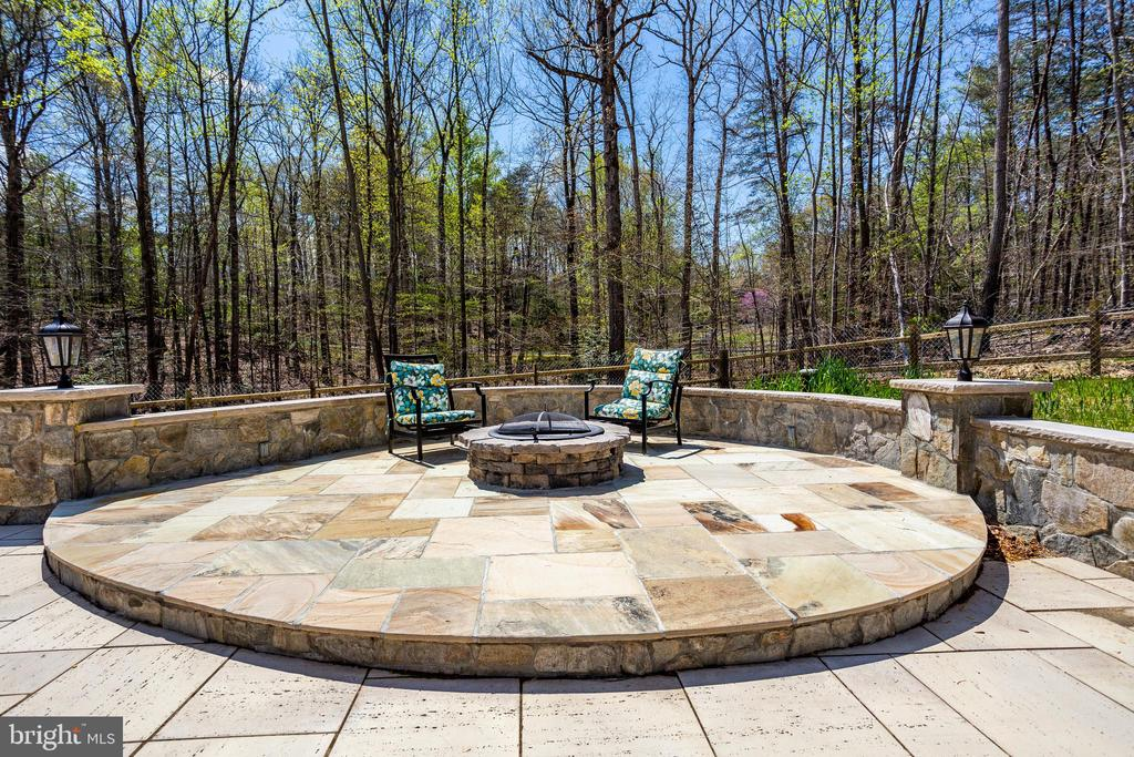 Gorgeous Hardscaping - 7780 KELLY ANN CT, FAIRFAX STATION