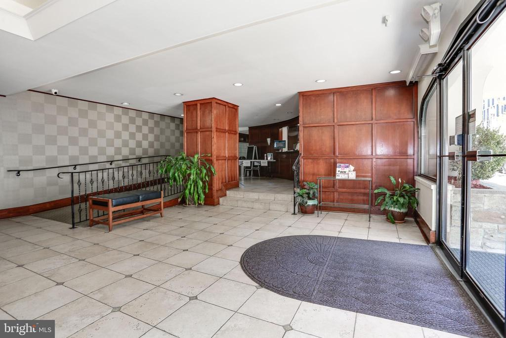 Building Entry - 922 24TH ST NW #104, WASHINGTON