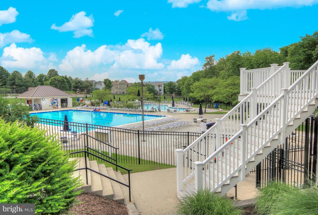Outdoor pool - 6301 IVERSON TER N, FREDERICK