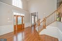 Beautiful open 2 story foyer - 42 LIGHTFOOT DR, STAFFORD